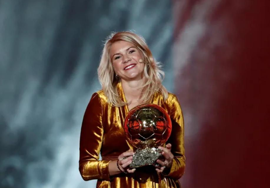 Kejadian Tak Enak Menimpa Hegerberg di Malam Penghargaan Ballon dOr